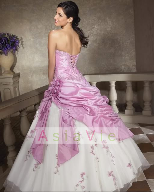 A wedding addict purple and white wedding dresses another lovely option for a purple bouquet is one made up of roses and lisianthus both are blossoms which are available year round which makes them easy mightylinksfo
