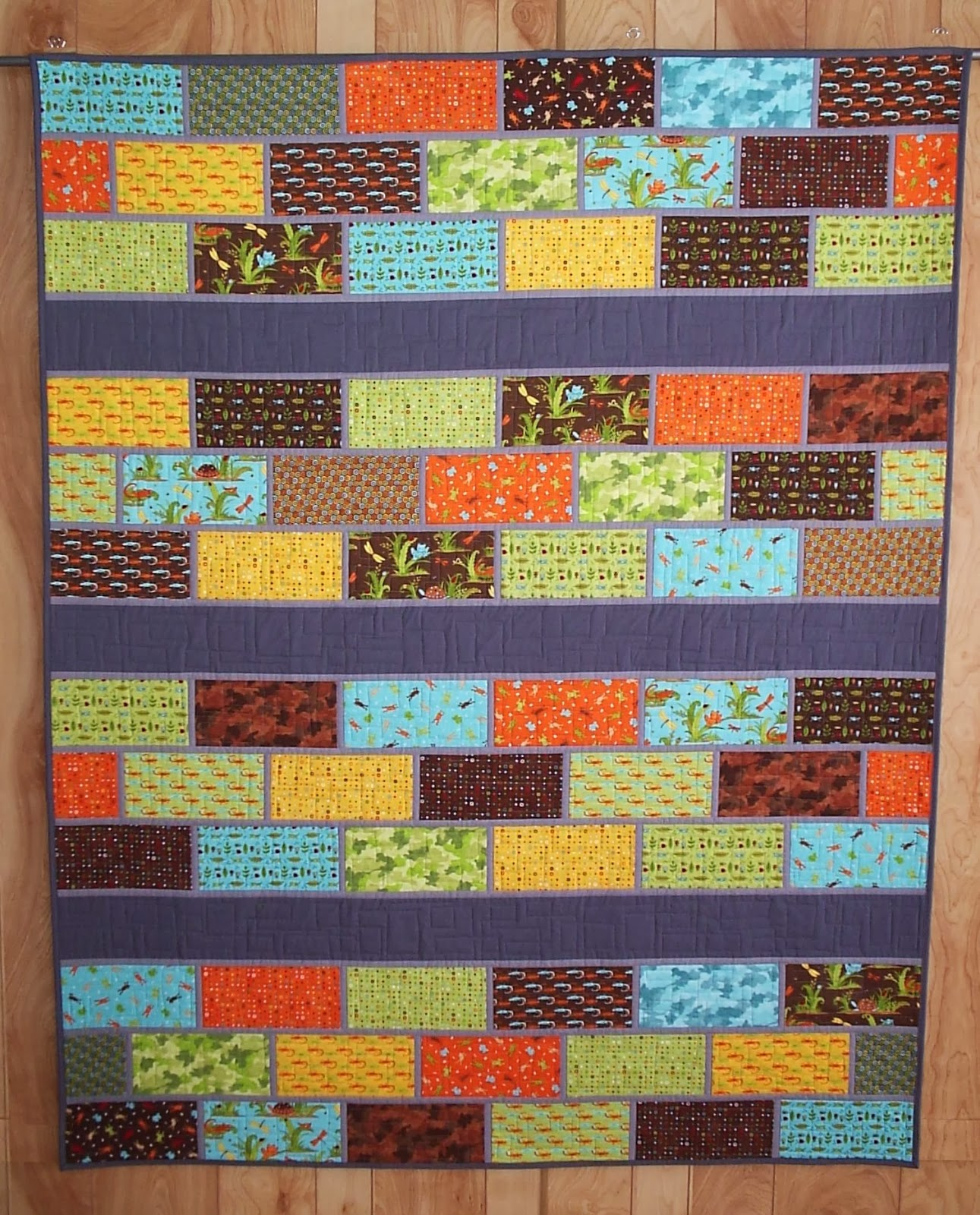 http://sewfreshquilts.blogspot.ca/2013/12/layer-cake-quilt-pattern_19.html