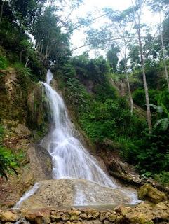 Wisata alam Air Terjun Kembang Soka (Kulonprogo)