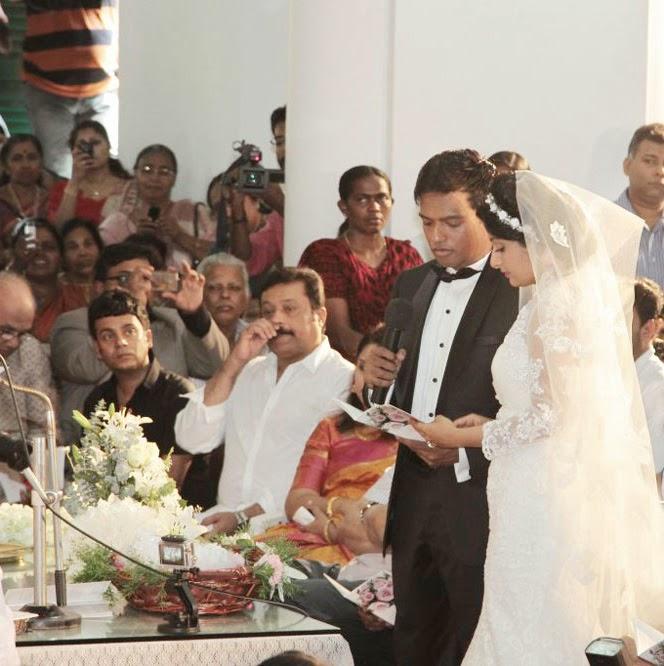 Meera Jasmine Anil Josh wedding photos gallery-HQ-Photo-3