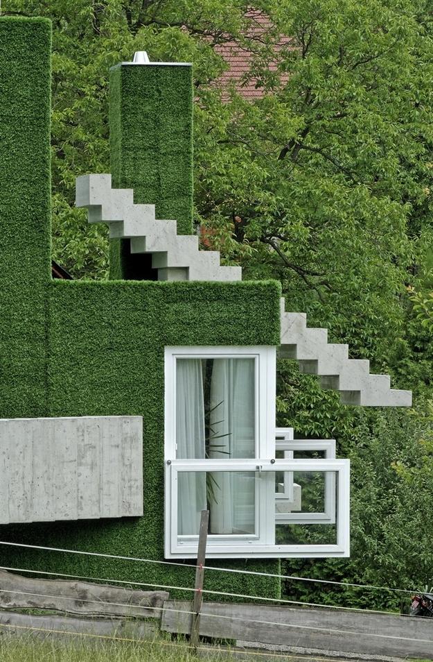 في النمسا واحد من أغرب المنازل التي شيدت وتم تغطيتها بالعشب الأخضر Grass-Covered-House-in-Frohnleiten-by-ORTIS-GmbH-10