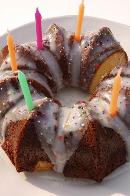 Birthday Almond Cake | www.kettlercuisine.com