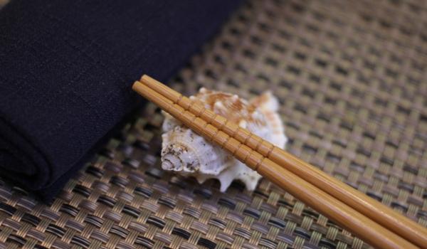 Reposa palillos marino