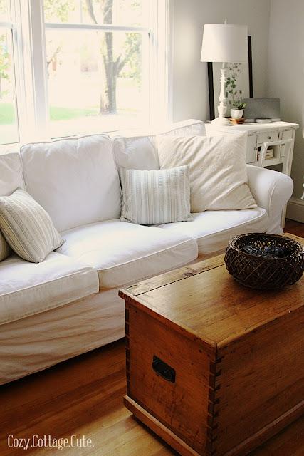 White+Couch+Living+Room.jpg
