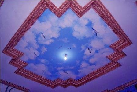 Gambar awan di plafon