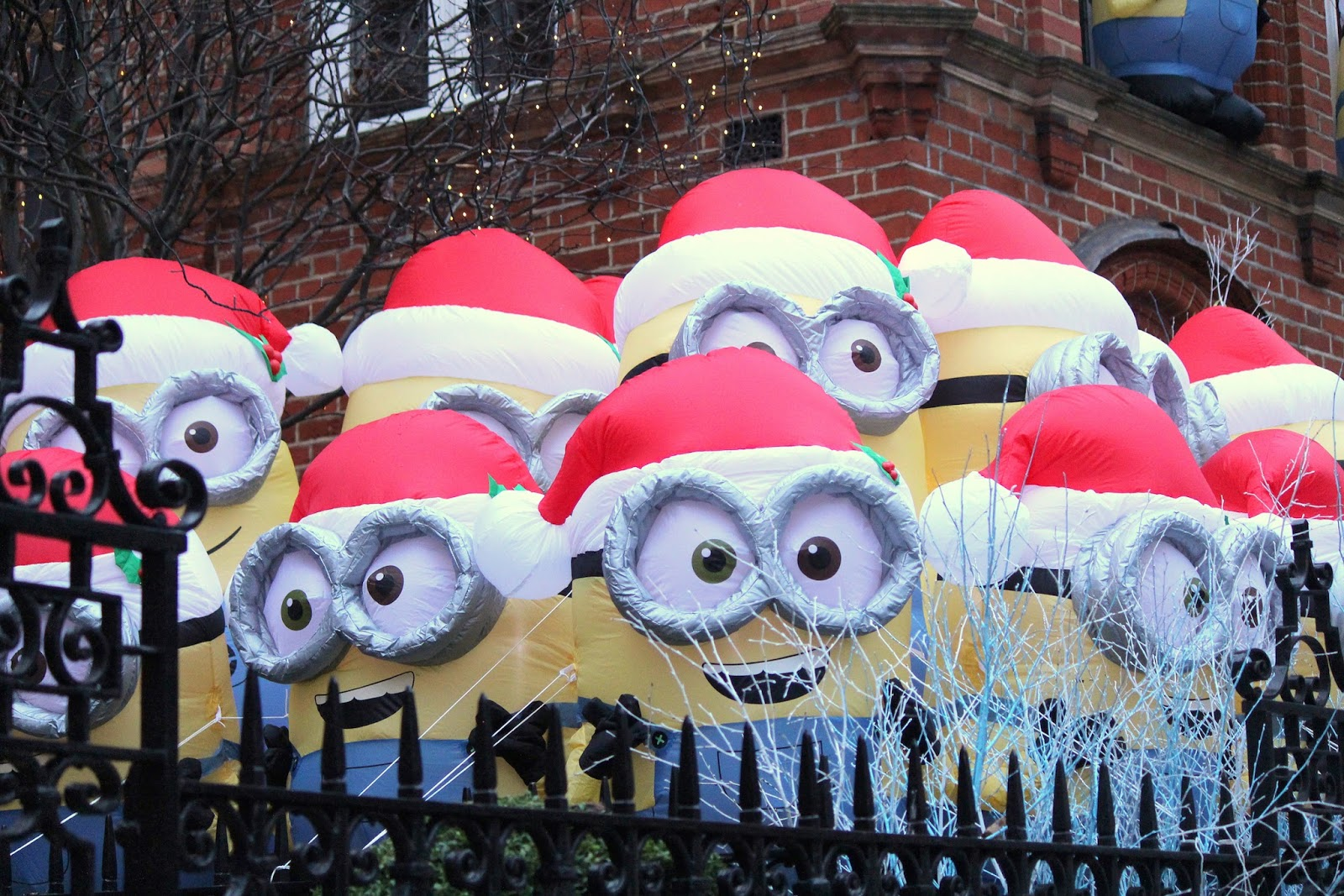 Minion Inflatable Christmas Decoration - Home Decorating Ideas