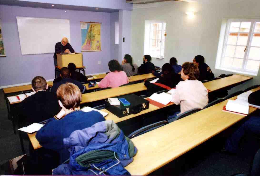 e learning v the classroom