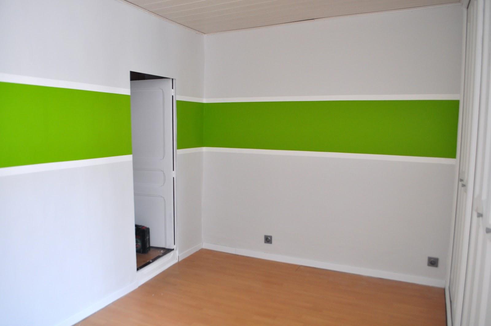 chez les amoureux chambre de b b a peinture termin e. Black Bedroom Furniture Sets. Home Design Ideas