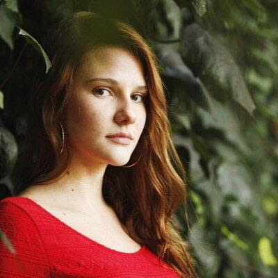Biodata dan Foto Alina Boz Pemeran Hazal dalam Drama Turki Cansu dan Hazal