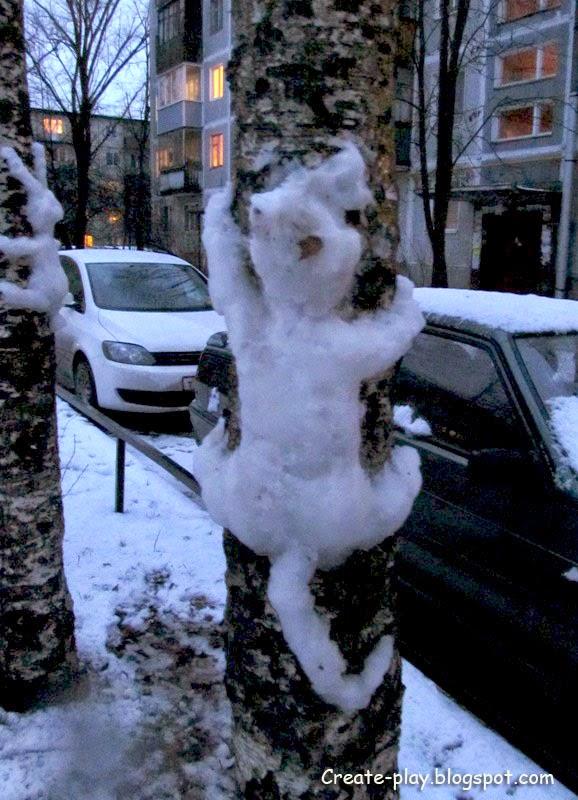 кот из снега