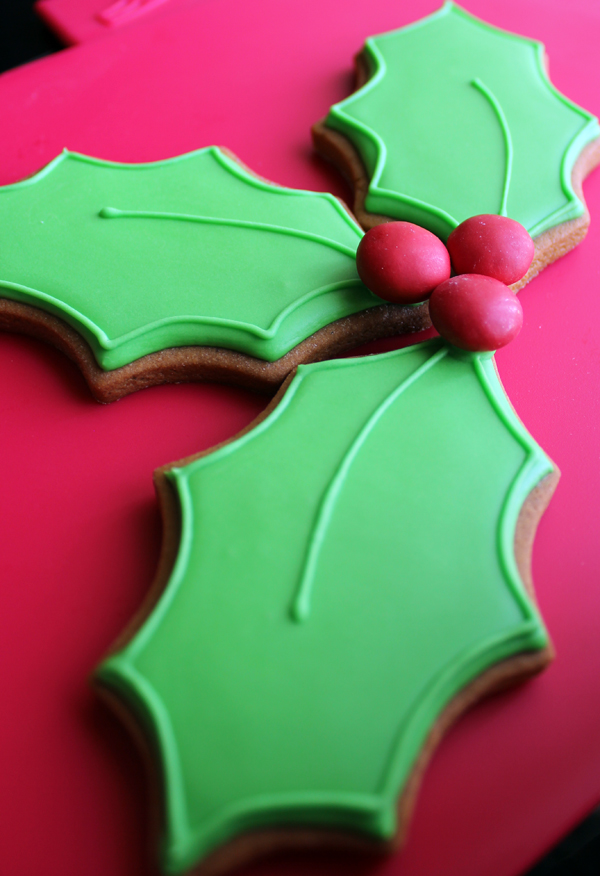Holly Leaf Cookies Gwen S Kitchen Creations