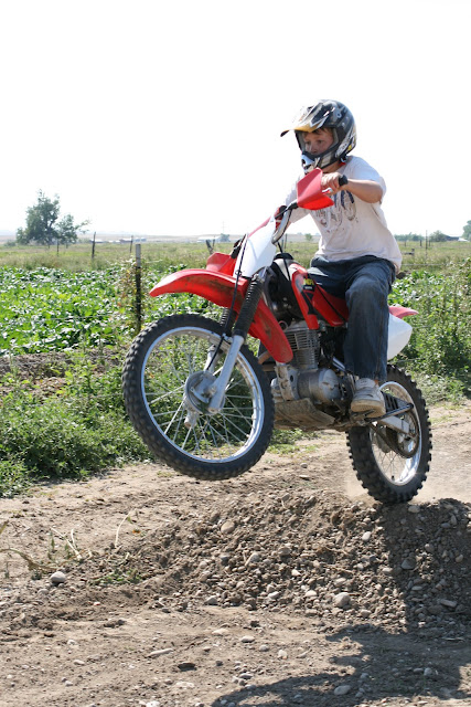 quadro amigos  honda xr  dirt bike review