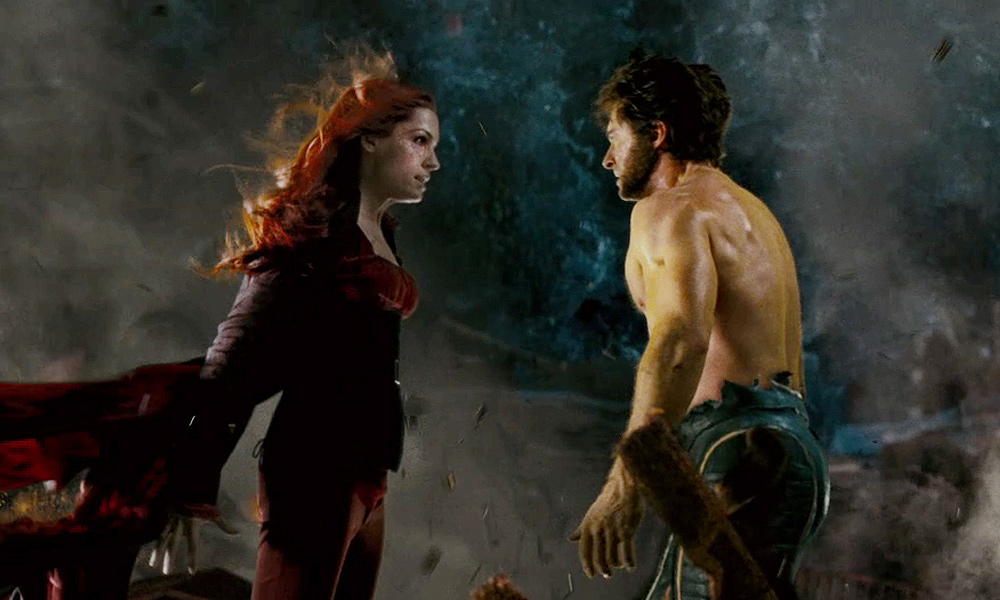 Cena do filme X-Men – O Confronto Final (2006) onde wolverine encara a fenix incorporada em jean grey