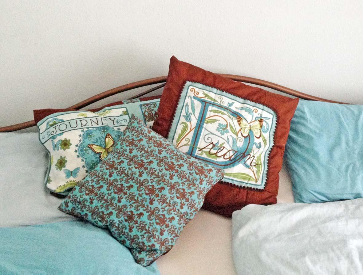 monis wirkstatt neue kissenh llen. Black Bedroom Furniture Sets. Home Design Ideas