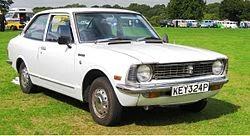 mobil sedan Corolla Generasi Kedua (1971-1974)