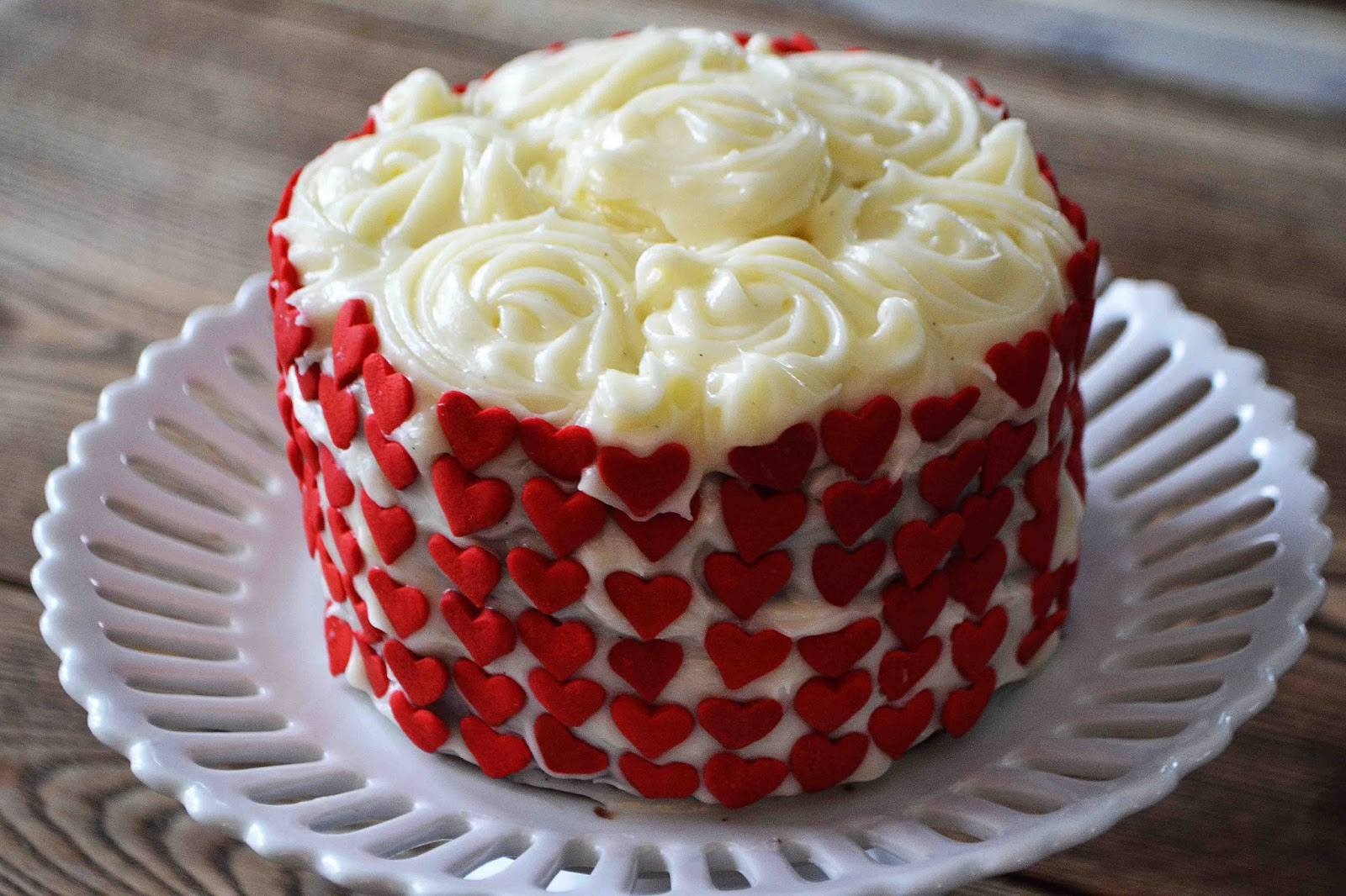 Can You Ice A Red Velvet Cake With Fondant