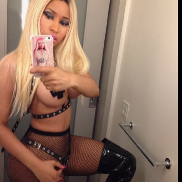 Nicki Minaj en halloween sadomasoquista