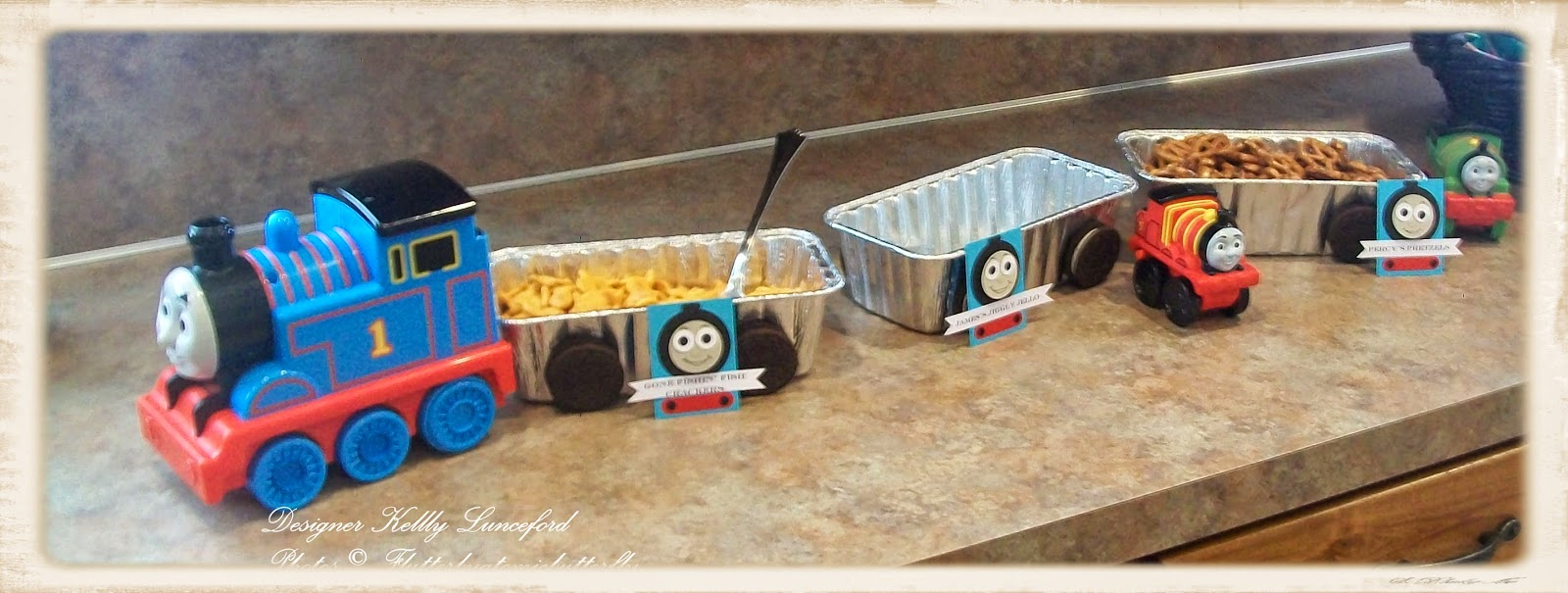 Again I hadnu0027t put all of the food out but I had to recreate this fun way to display food that I saw. There are so many resources for fun ideas ...  sc 1 st  Kelly Lunceford & Flutter by Atomicbutterfly: Thomas the Tank Engine 5th Birthday Party