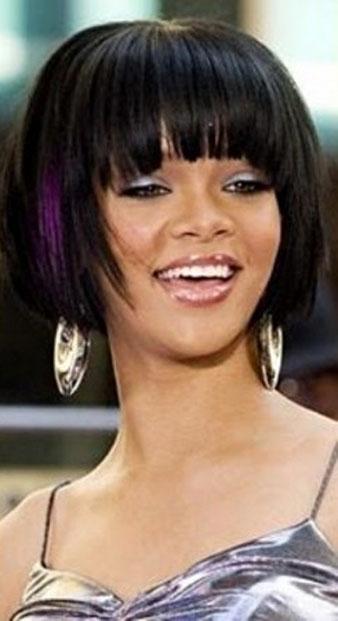 Rihanna patlıcan moru ve siyah saçlar