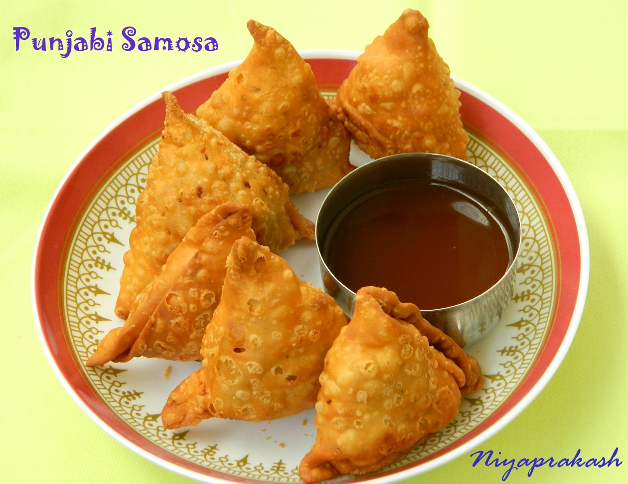 Niya's World: Punjabi Samosa