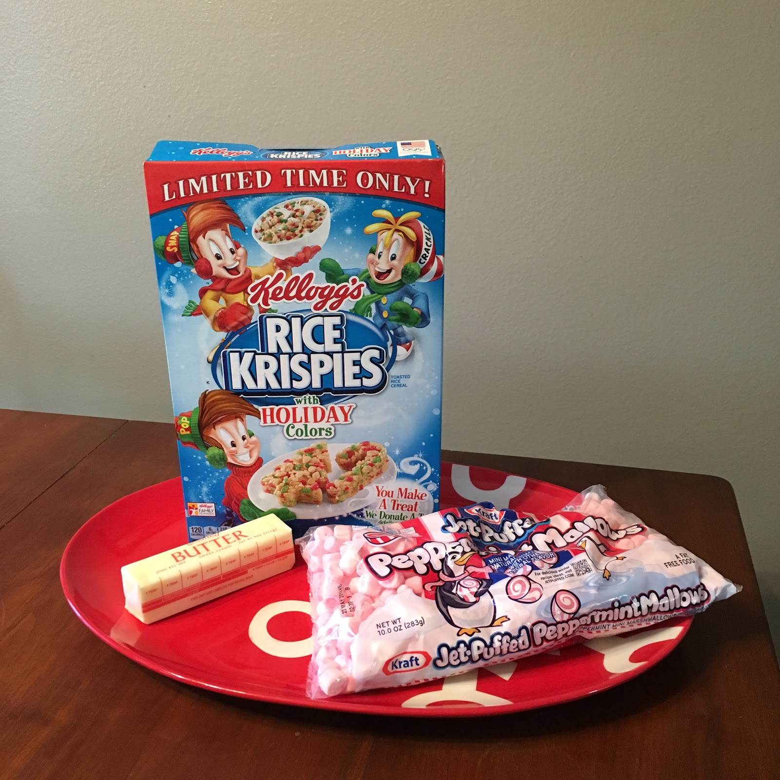 i was perusing the grocery store a couple weeks ago and stumbled upon holiday color rice krispies and peppermint marshmallows