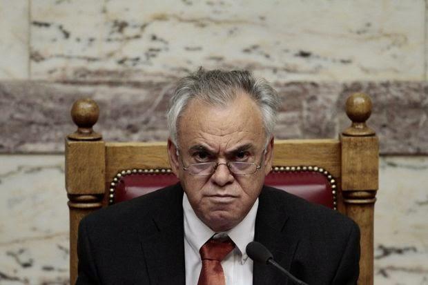 """""""Παρμένος"""" ο Δραγασάκης από τις αποφάσεις του Βαρουφάκη για τον ΦΠΑ"""