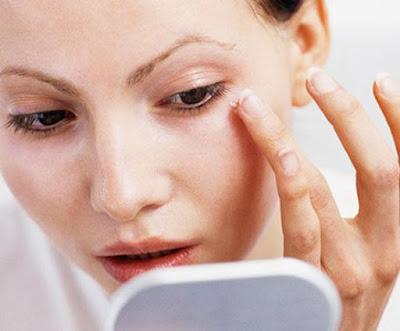 Contorno de ojos crema
