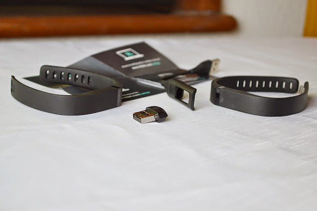 Fitbit Flex Activity Wristband Review and Instructions