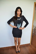 Shruti Haasan Glam pics-thumbnail-3