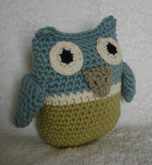 Free Crochet Pattern Owl Family : Is it a toy: A free pattern for 2012