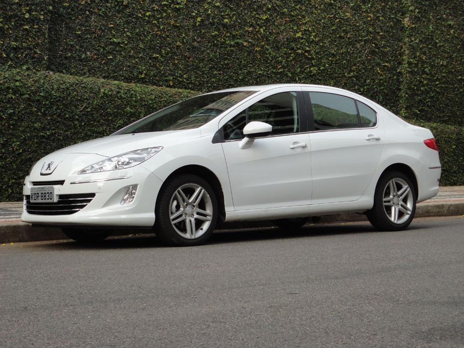 Peugeot 408 un coche comodo para ciertas personas
