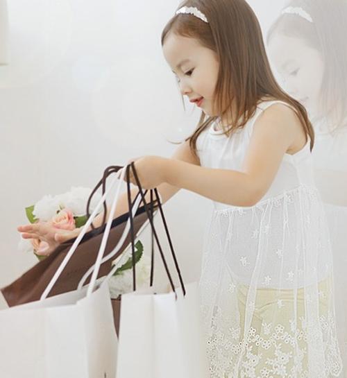 Baby sleeveless white dress