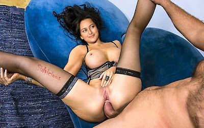 Sonakshi-Sinha-Hot