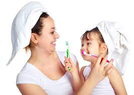 8 Tips Sehat Memelihara Gigi Anak Anda