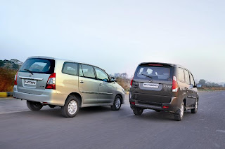 mahindra xylo e9 and toyota innova vx rear view