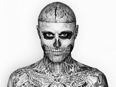 Zombie Boy sem tattoos na campanha genial da Dermablend.