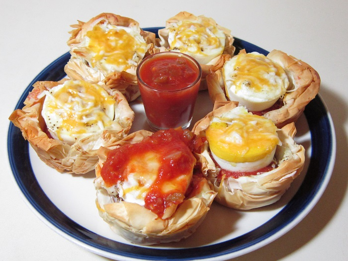 https://www.guidecentr.al/make-southwestern-egg-and-cheese-cups