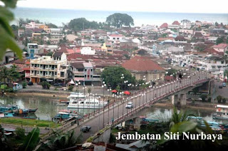 [Image: sitinurbaya_bridge.jpg]