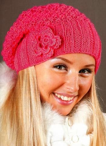 Рада предложить для осени симпатичный молодежный комплект, связанный спицами - шапку и шарф