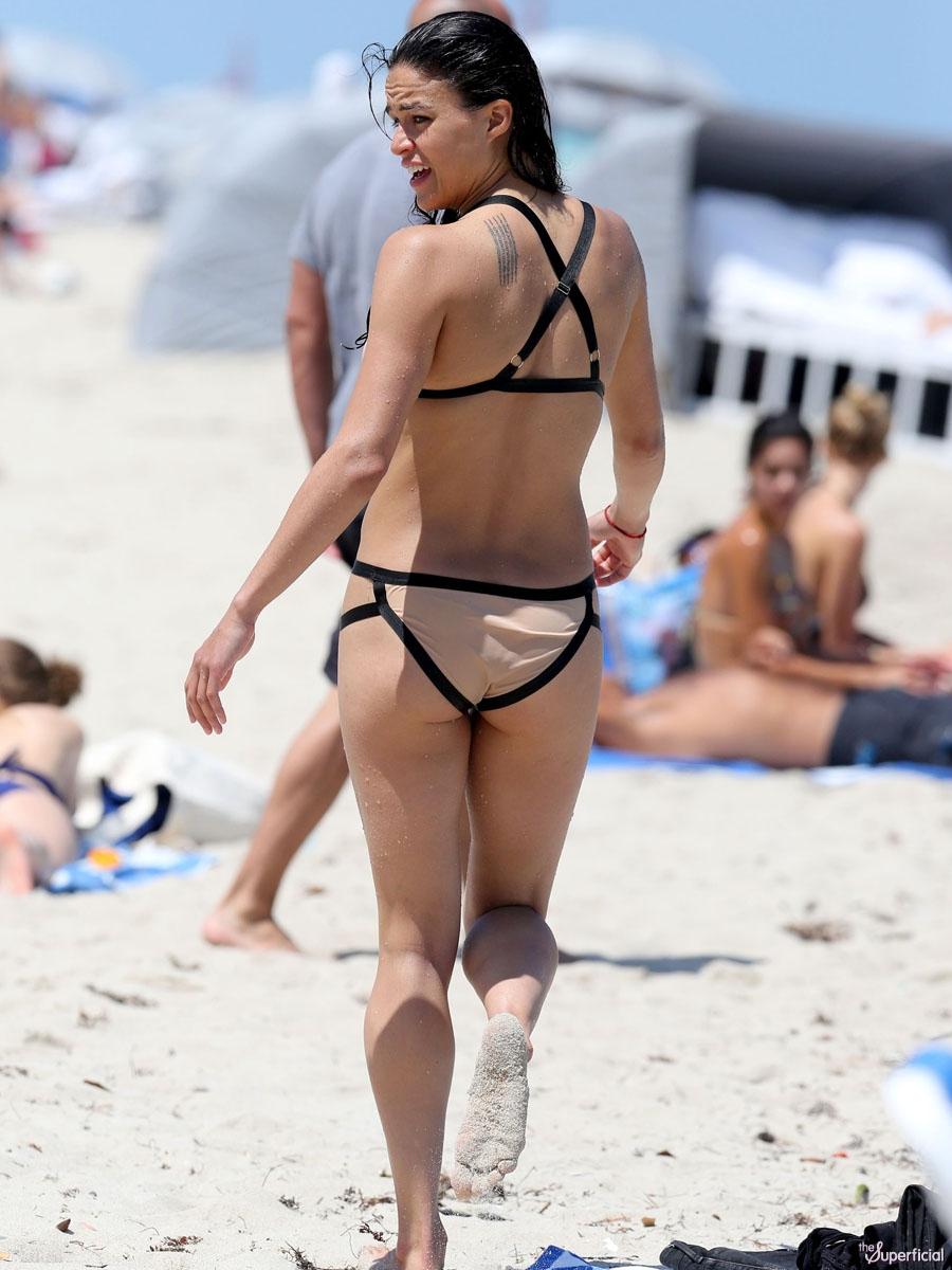 Older women nude om the beach photos
