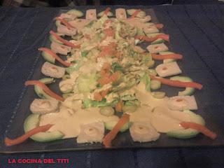 Ensalada de atun fresco con salsa de piquillo