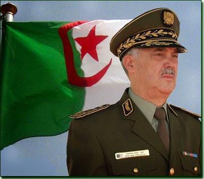 قائد الدرك الوطني الجزائري اللواء أحمد بوسطيلة
