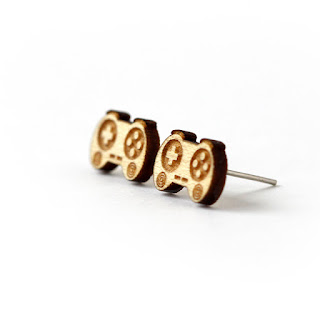 http://www.lesfollesmarquises.com/product/puces-d-oreilles-manette