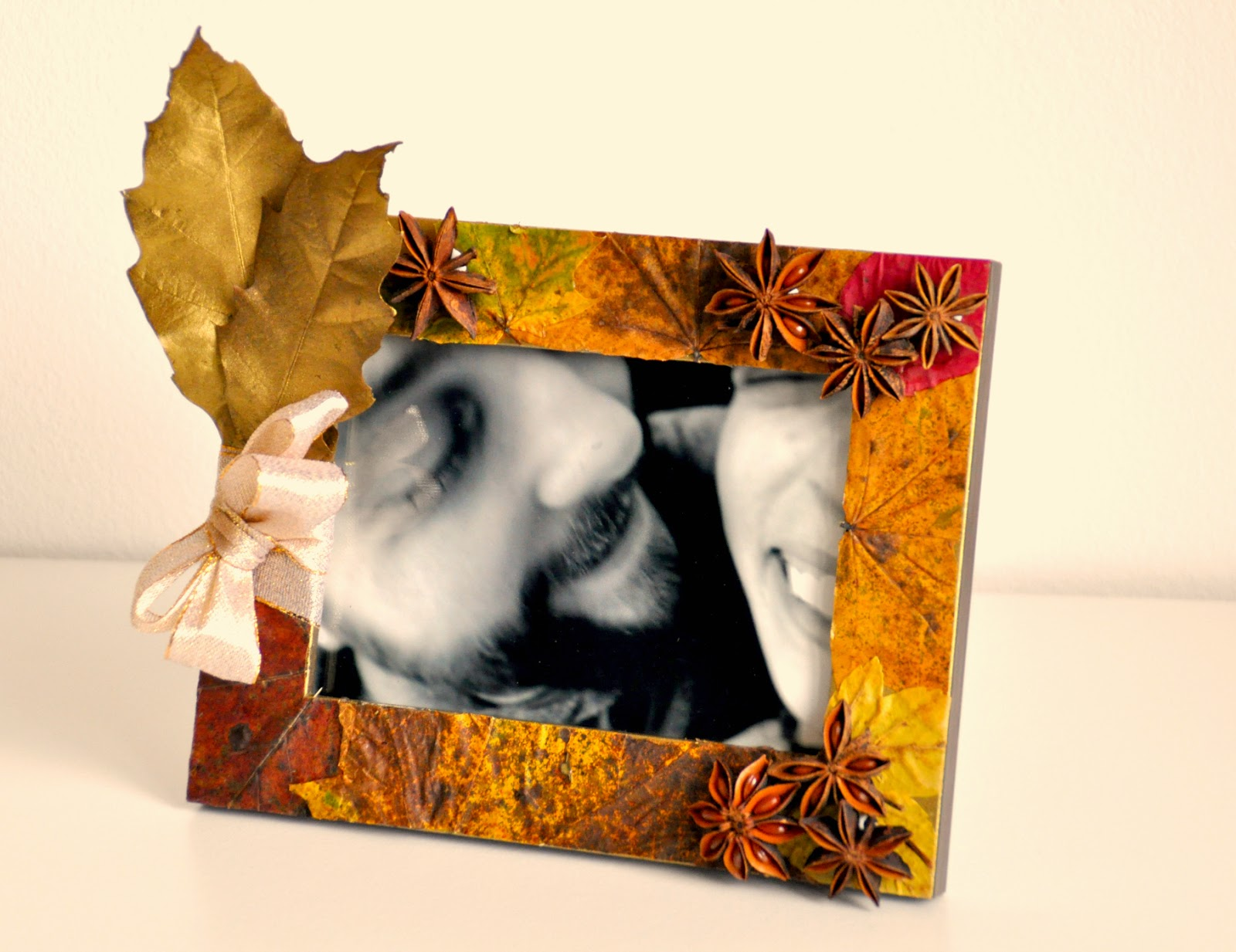 Fall DIY: Picture Frame with Autumn Leaves | Pure Power Panda