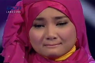 1 X FACTOR INDONESIA: Video Fatin Nangis Lupa Lirik Lenka Everything At Once