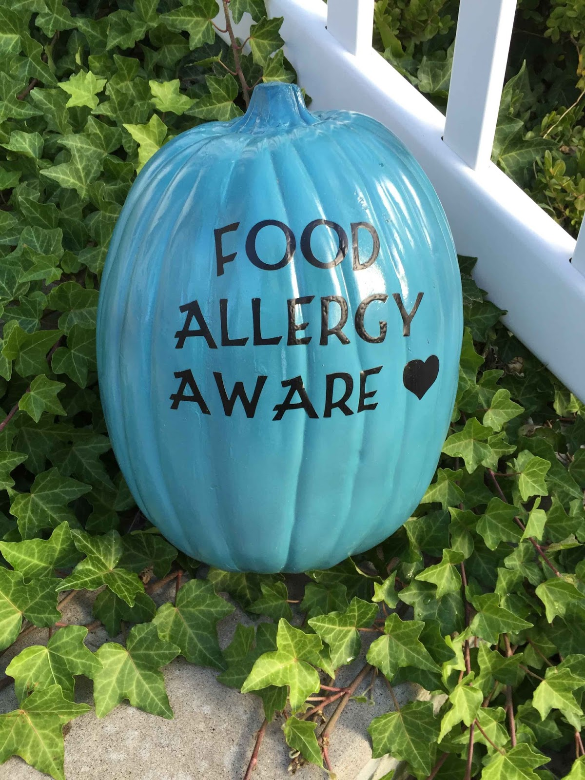 Food Allergy Feast: Allergy-Free Halloween Candy Round-Up 2015