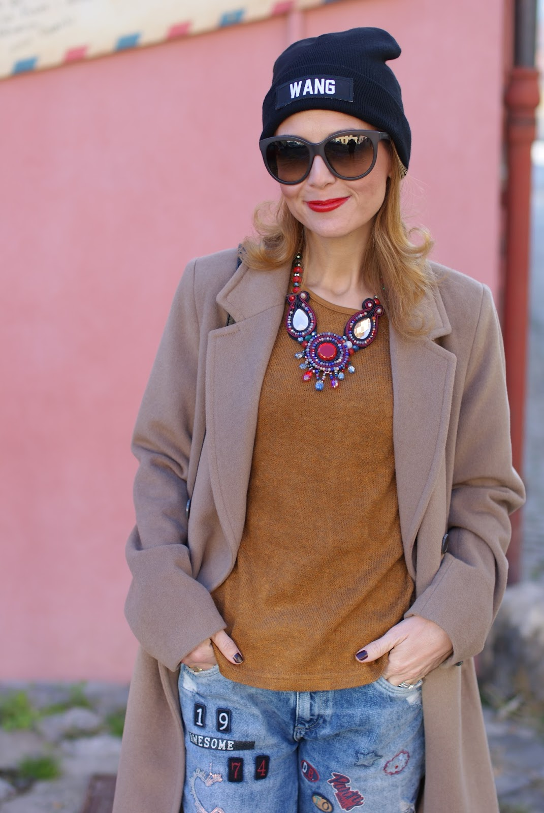 Wang beanie, Zara patched jeans, YSL rouge pur couture and Kiabi camel boyfriend coat on Fashion and Cookies fashion blog, fashion blogger style