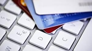 34χρονη βρήκε την πιστωτική της κάρτα υπερ-χρεωμένη...