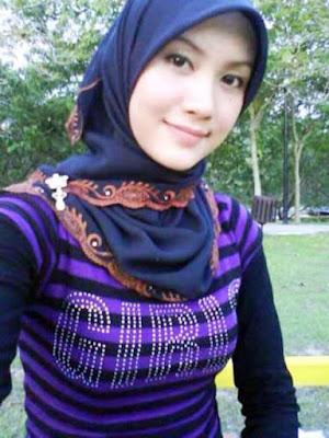 Lorem Ipsum Gadis Jilbab Selfie