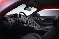 Jaguar F-Type British Design Edition Coupé (2017) Interior
